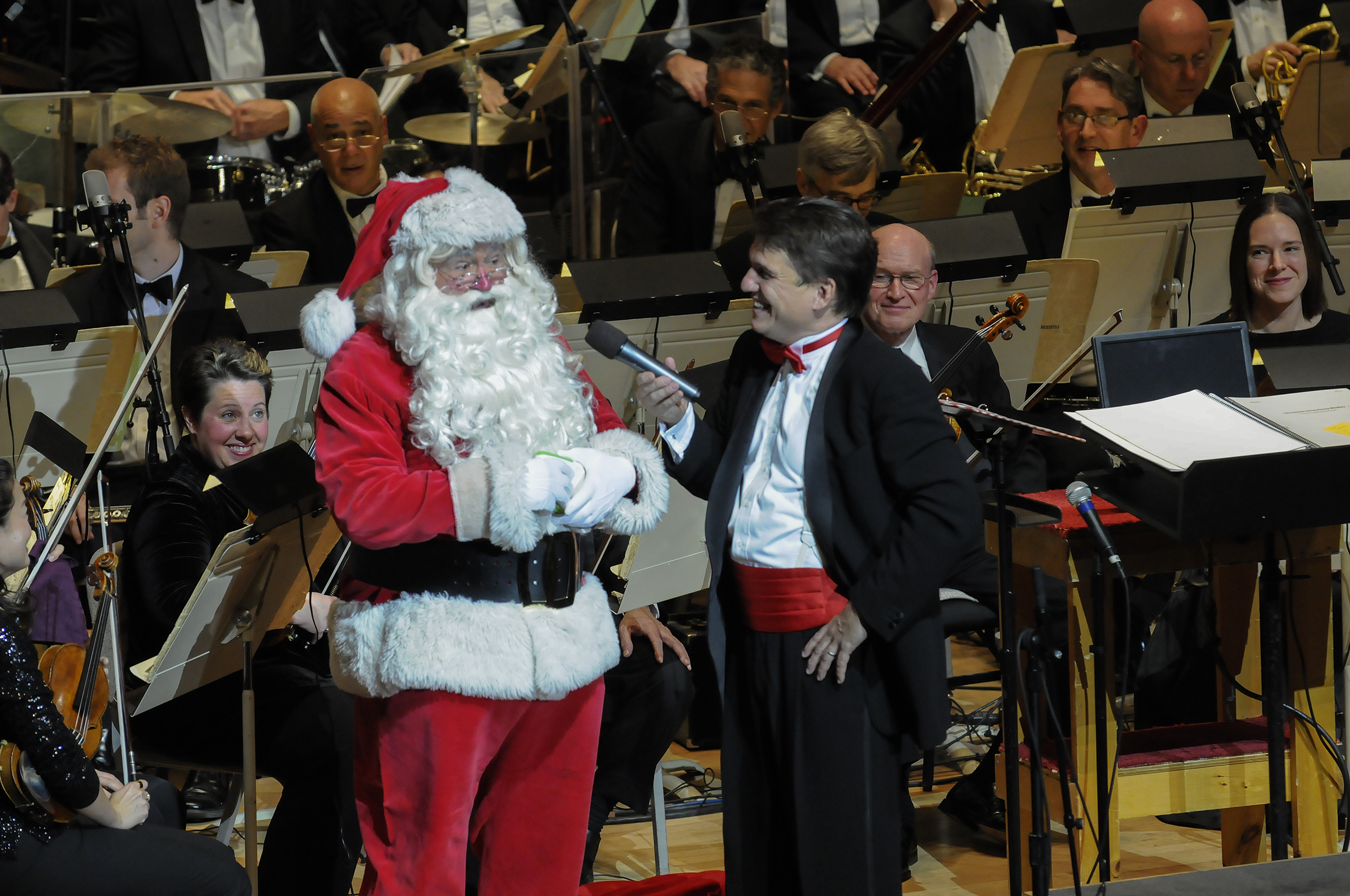 Santa Claus with Boston Pops conductor Keith Lockhart at the Opening Night of Holiday Pops (Stu Rosner)