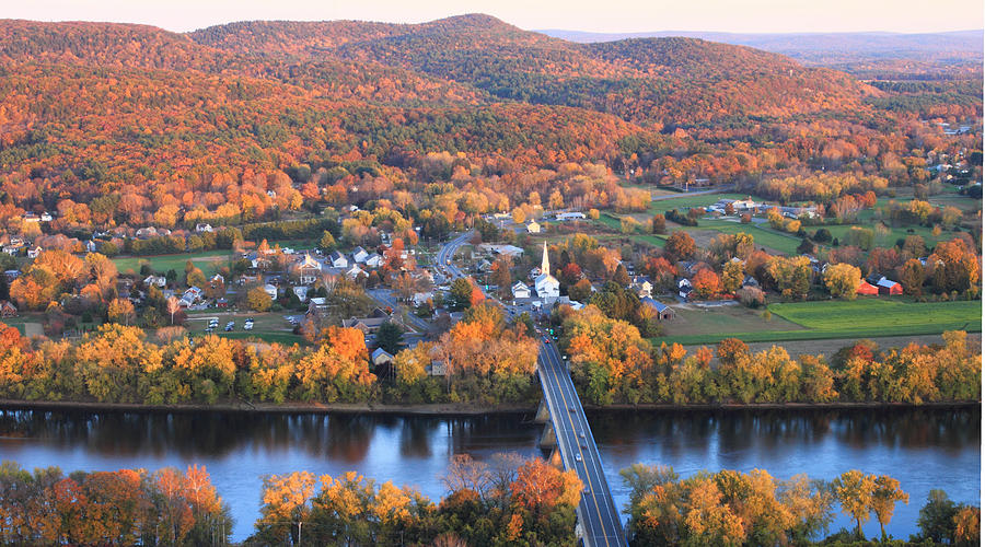 sunderland-massachusetts-fall-foliage-john-burk
