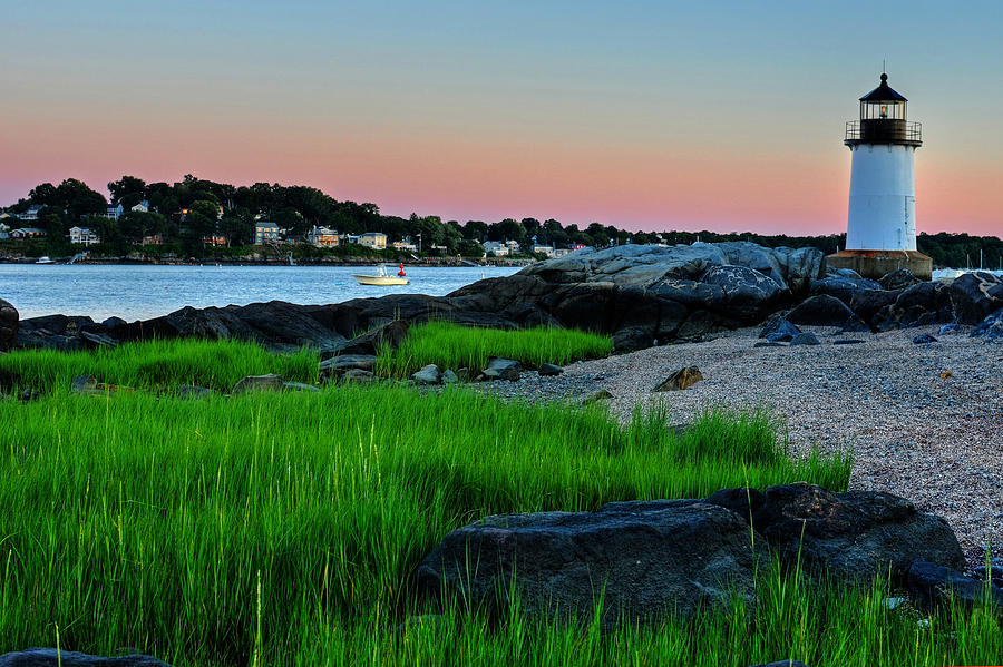 fort-pickering-light-through-the-tall-grass-salem-ma-toby-mcguire